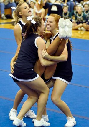 sexy young collge cheerleaders
