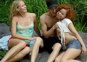 teen threesome creampie